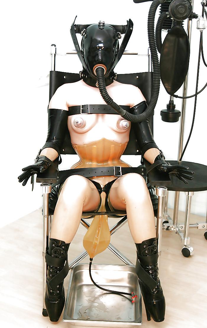Садо-мазо в противогазе фото, врач дала потрогать грудь онлайн