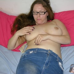 Glasses Wearing Amateur Freckled Face Girl Modeling Nude