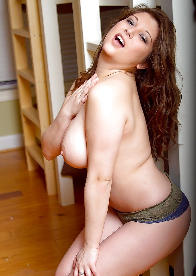 rich-naked-womens