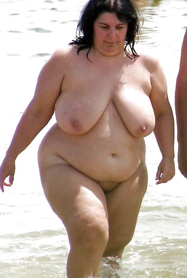 big-fat-women-in-nude-at-beach