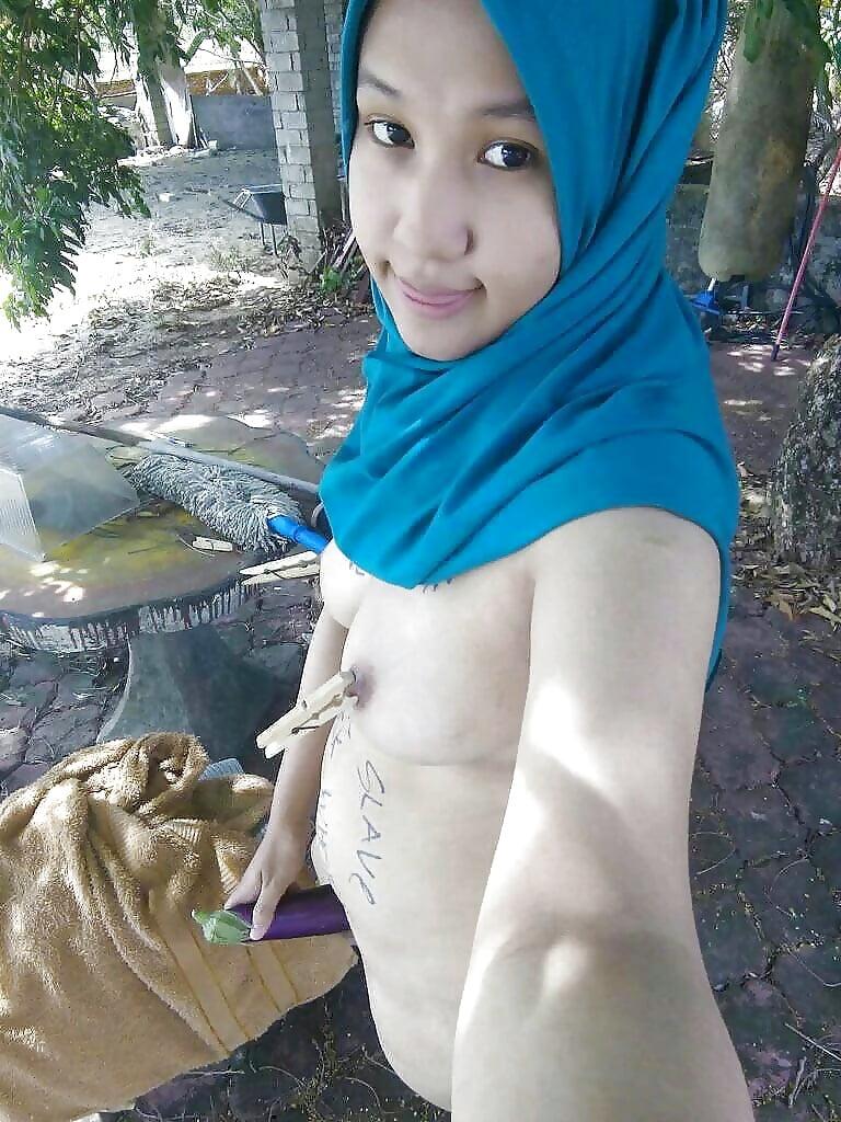 Hot jilbab girl naked #7