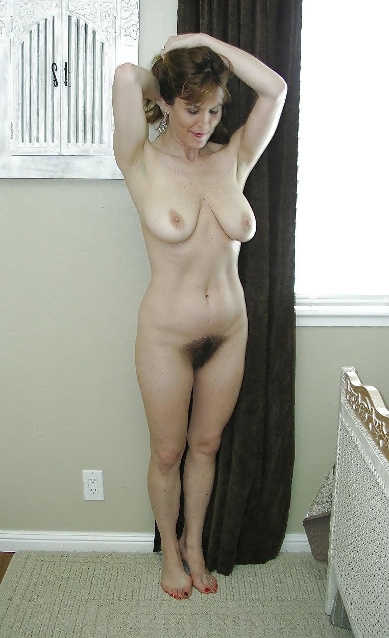 Classy naked moms — photo 1