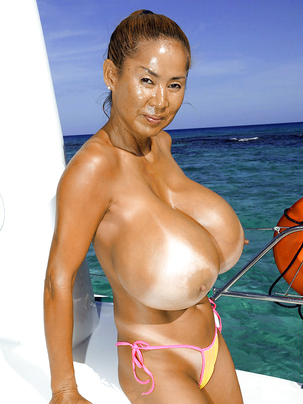 Best boat for large natural breasts