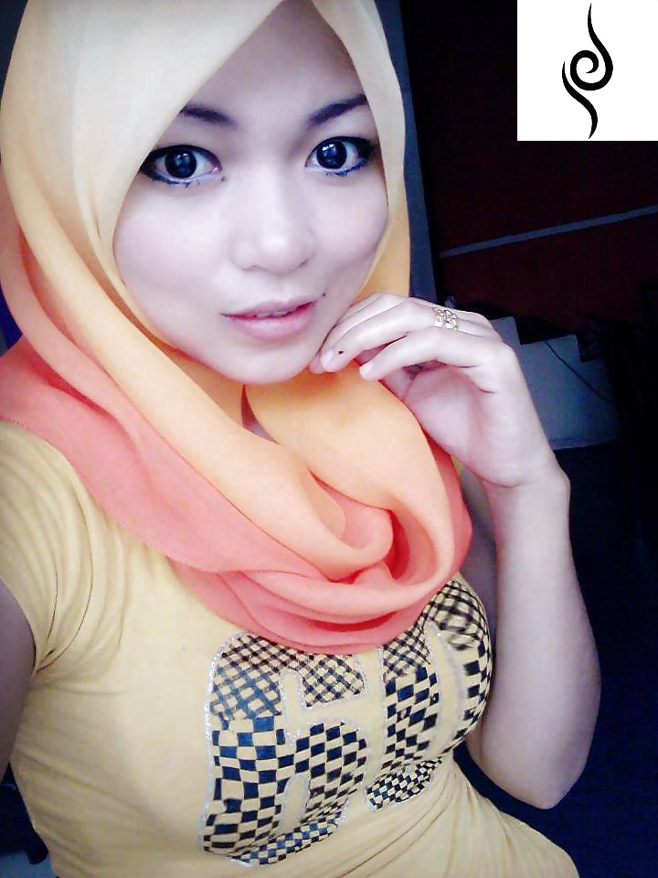 Malay hijab sexy