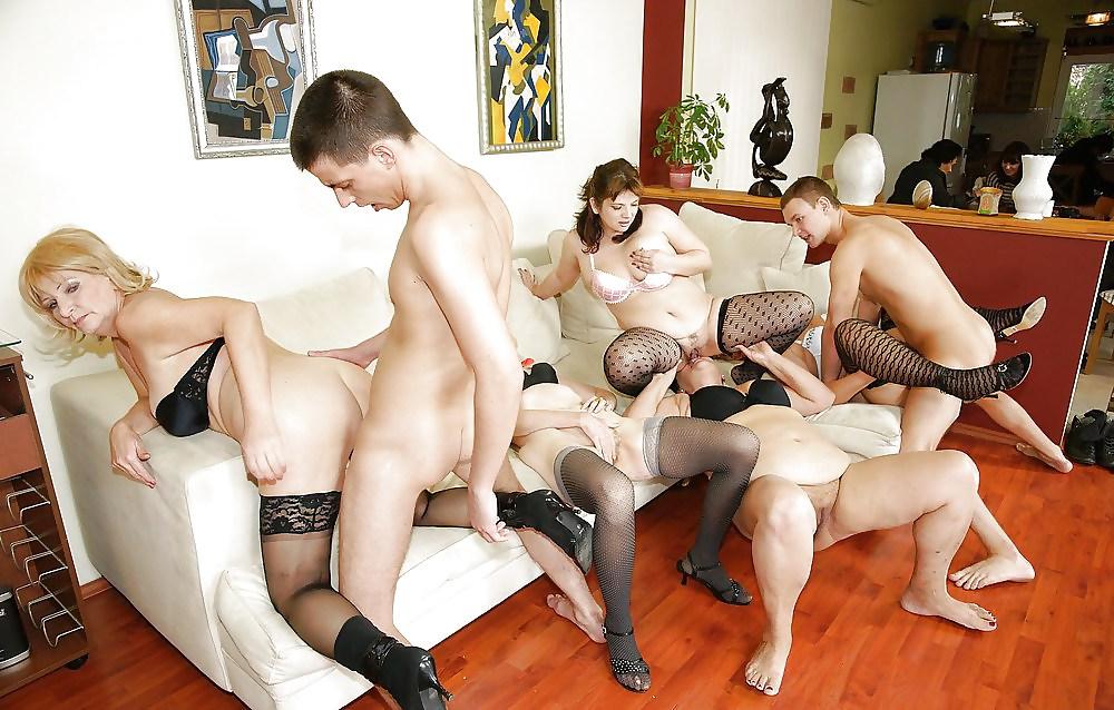 секс с зрелыми групповуха
