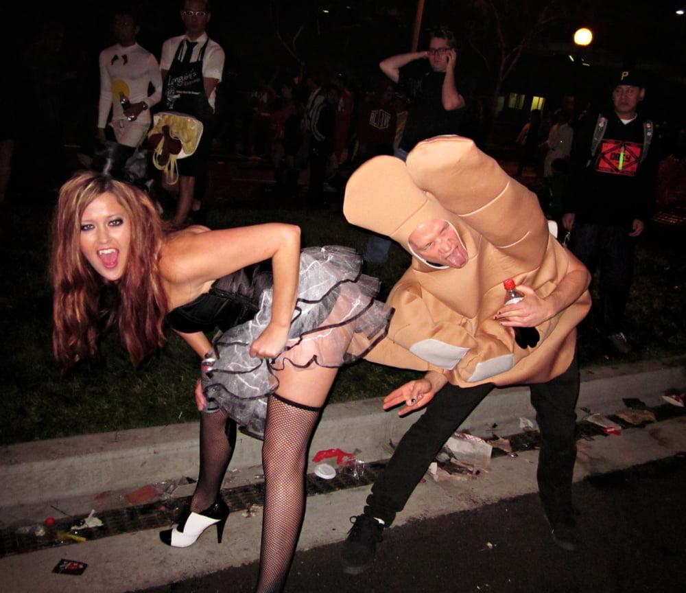 фото оргия на хэллоуин просто