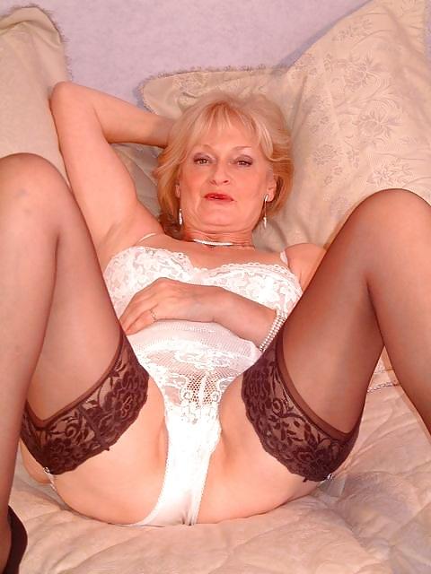Sexy Mature Blonde Basque  Stockings - 20 Pics - Xhamstercom-9854