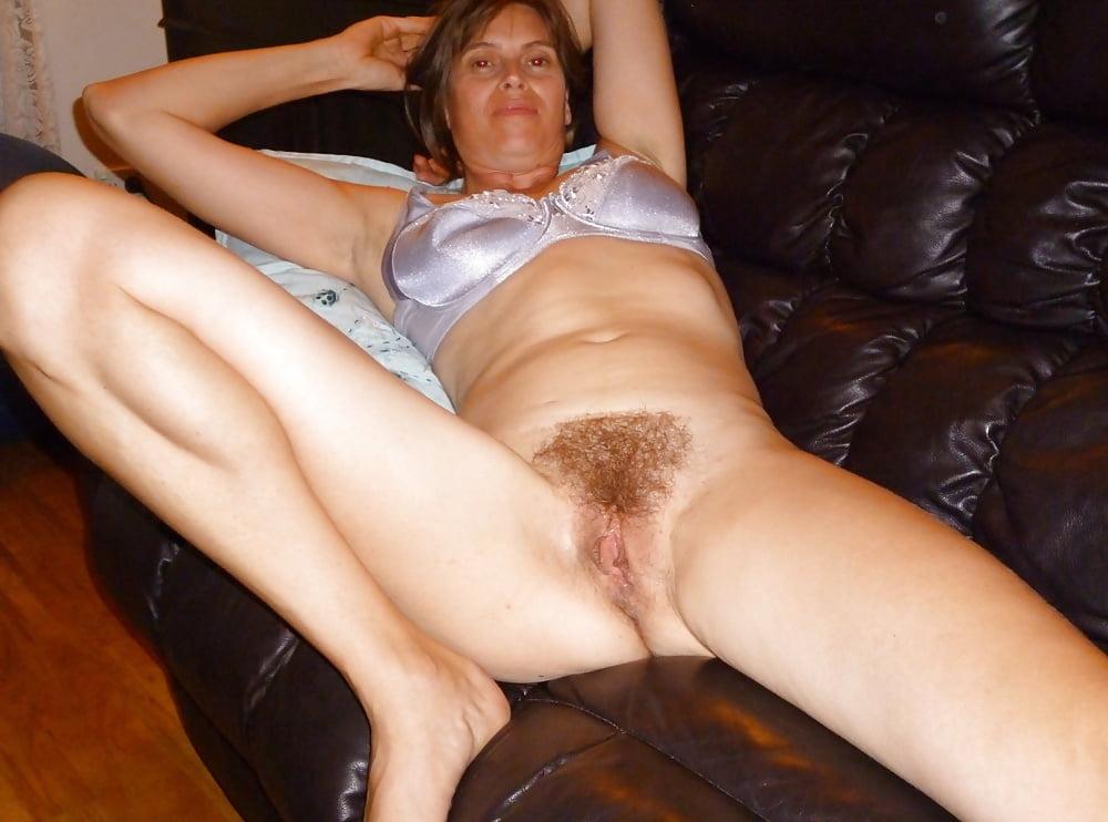 Free mature amateur home sexy photos