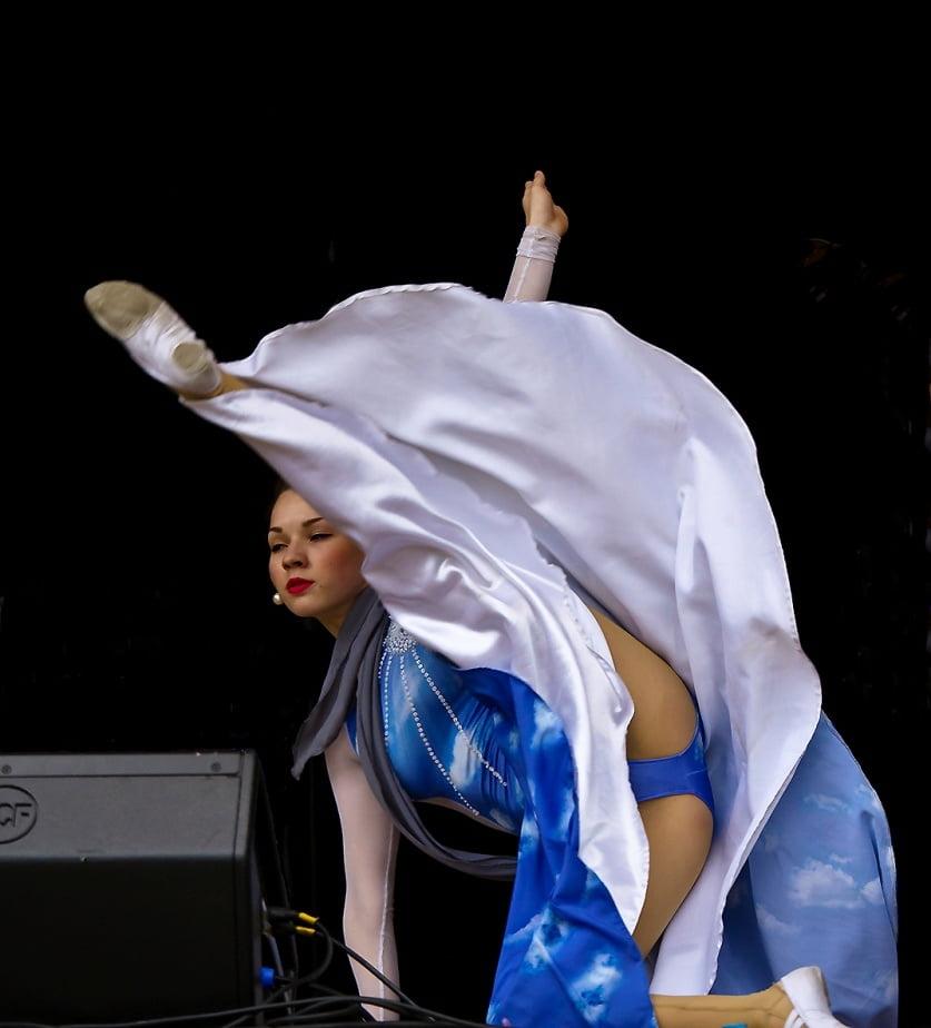 Анастасии заворотнюк танцевальные коллективы девушек в белом нижнем белье