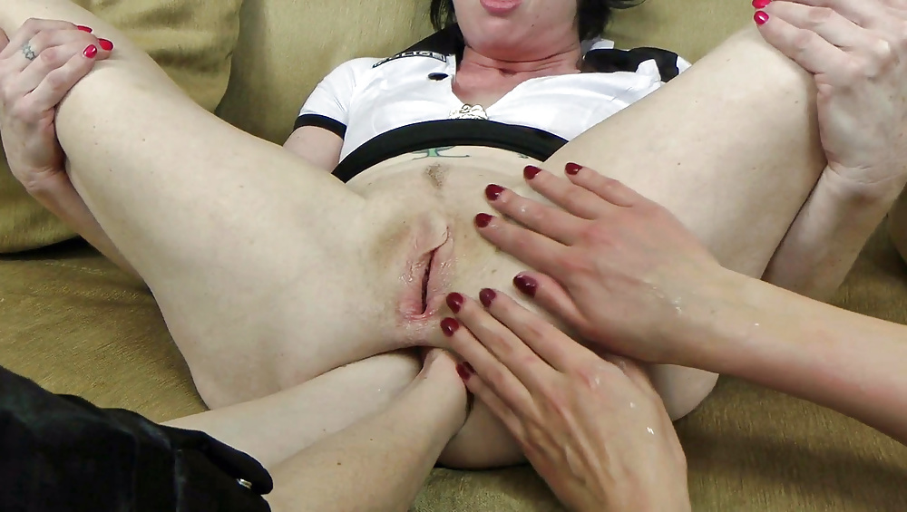 porn-girl-cries-first-time-fist