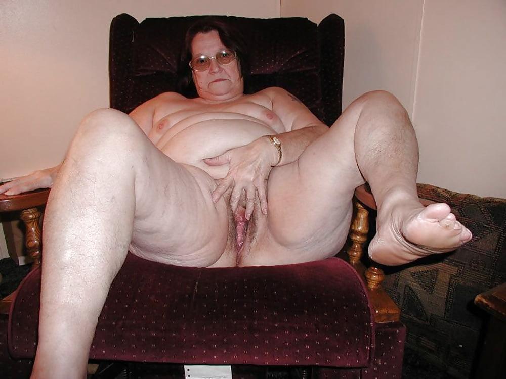 Mature plumper nude