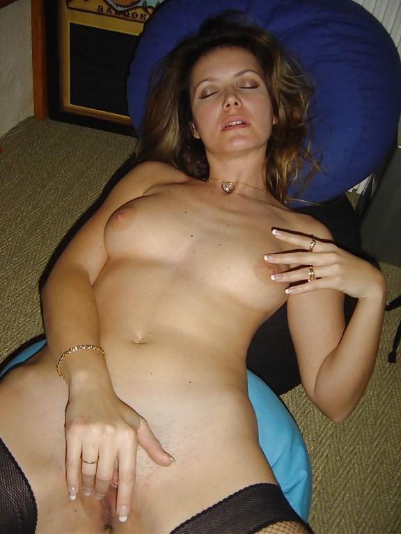 Naked women masturbating together