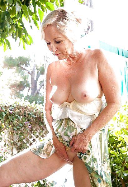 Older women mastabating-4971