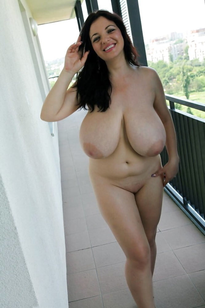 Curvy Luciana Showing Off Assoass 1