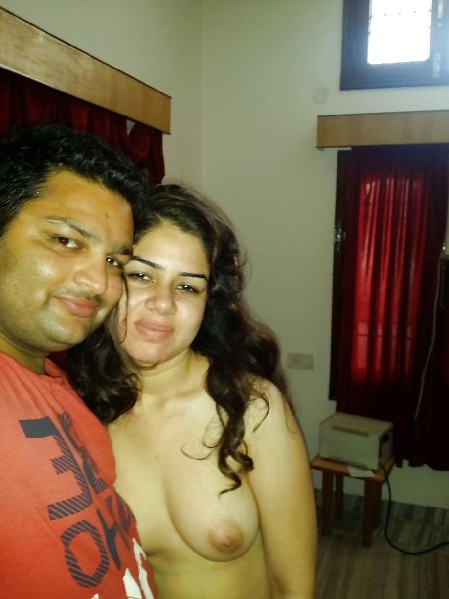 Hot firstnight selfie photo of desi couple sex in hotel