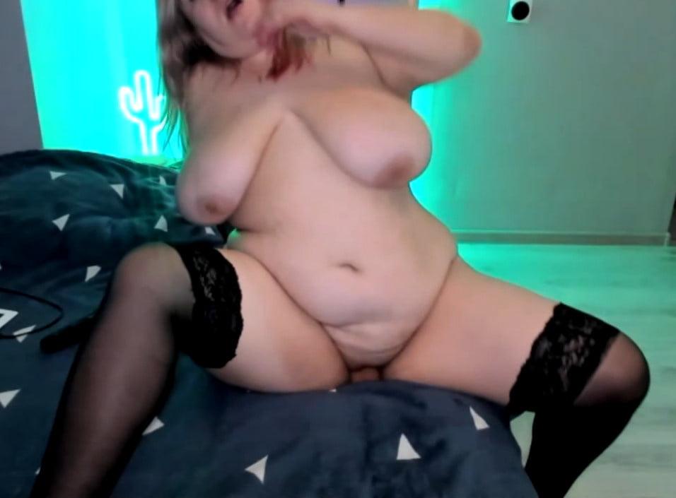 Young and big tits - 165 Pics