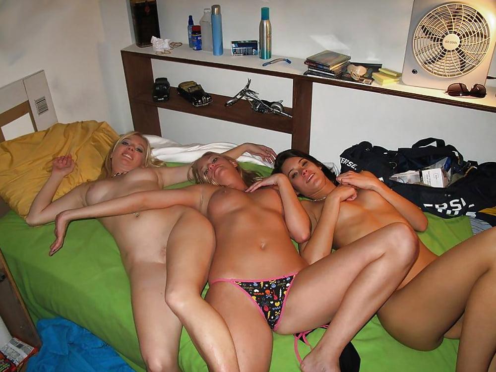 seks-russkoy-den-rozhdeniya-v-obshage-seks-vmeste-seks-sveti