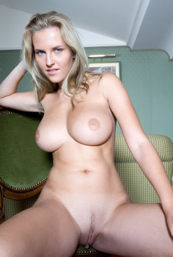 Natalya neidhart pussy — pic 7