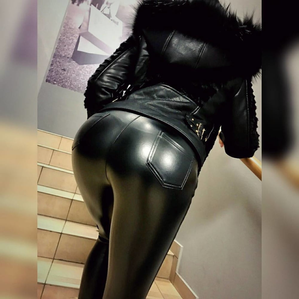Latex black ass — 2