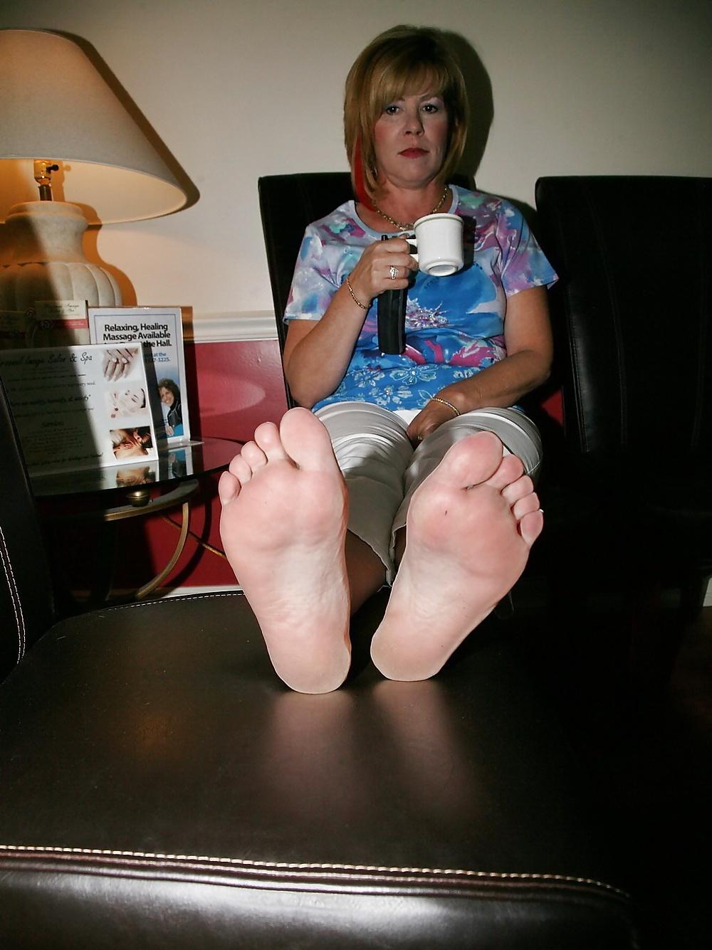 Milf Candid Feet