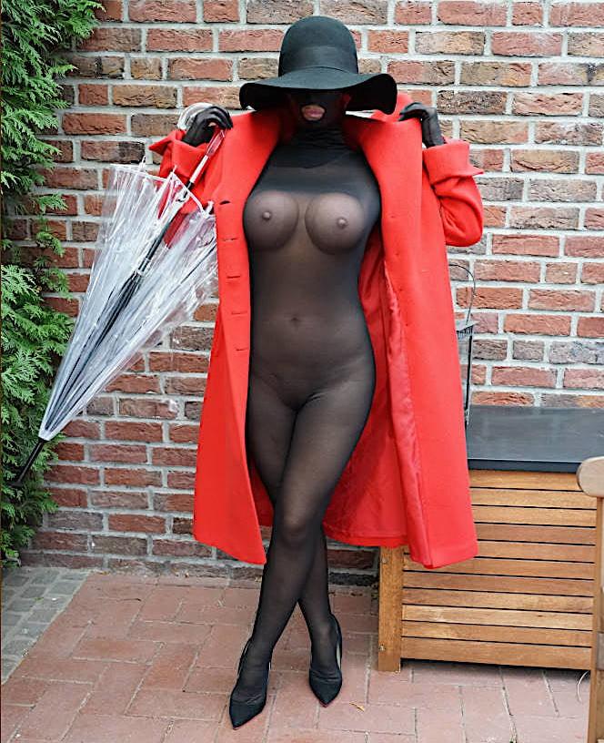 B nackt lady Lady b