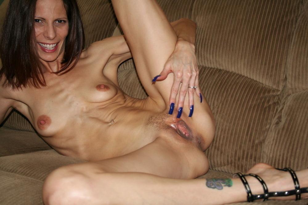 Hot Moms Spread Wide 290 - 38 Pics