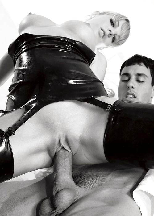Порно безбашенный анальный секс в латексе #5