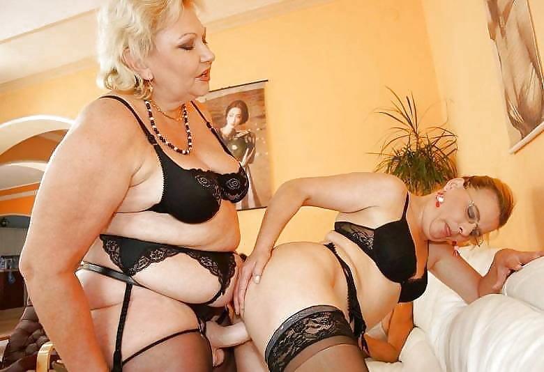русские бабушки лесбиянки страпон