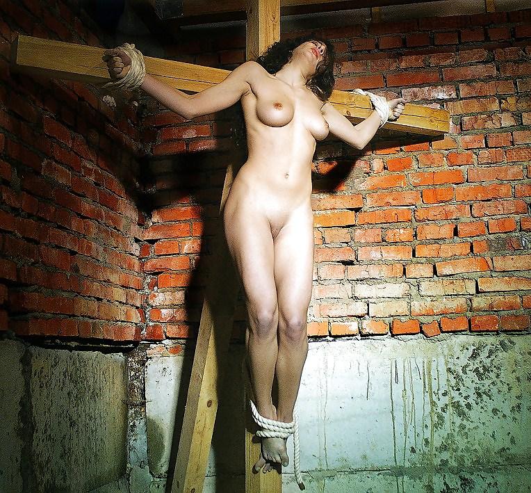 woman-crucified-nude