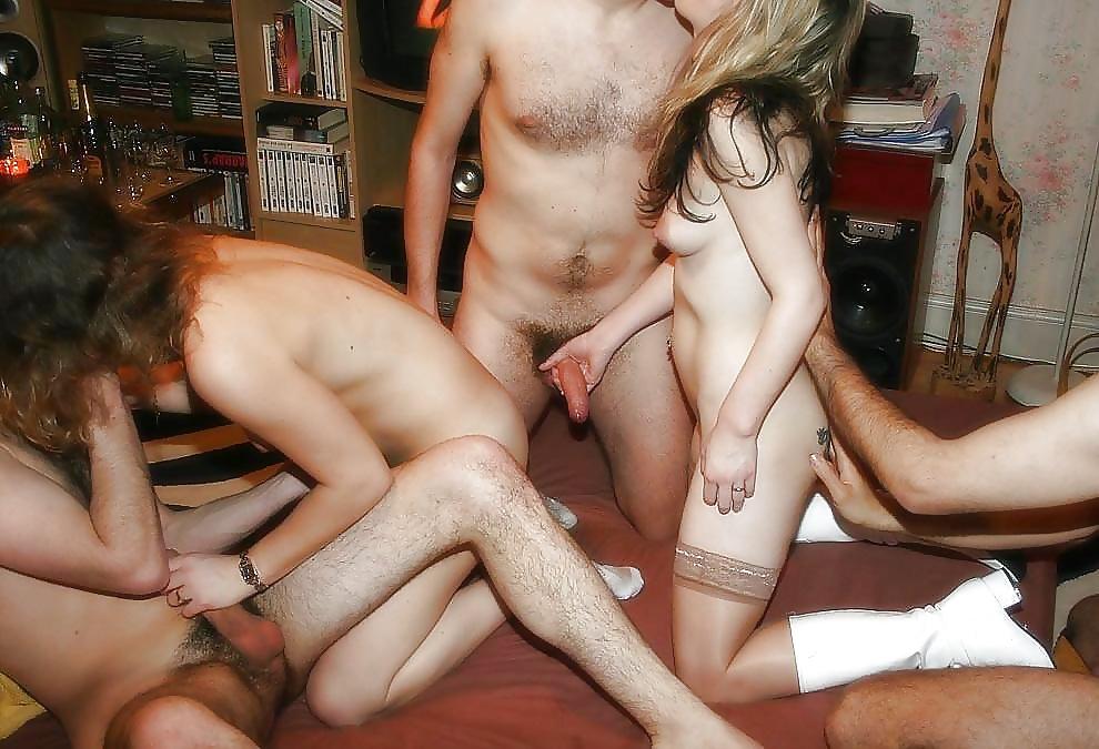 Частное Порно Жена И Группа Друзей