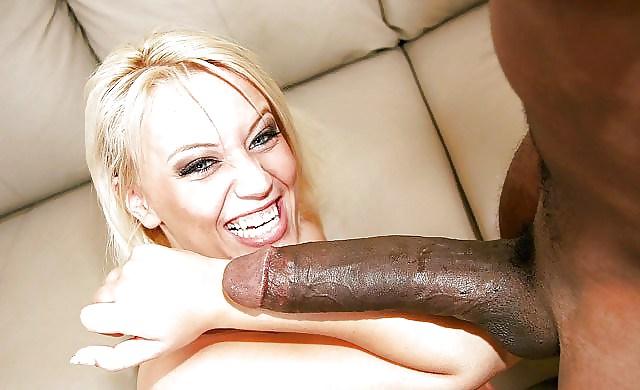 толстый черный длинный член имеет блондинку