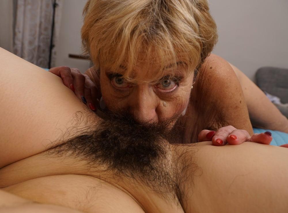 волосатые старые лесбиянки видео изысканным, после