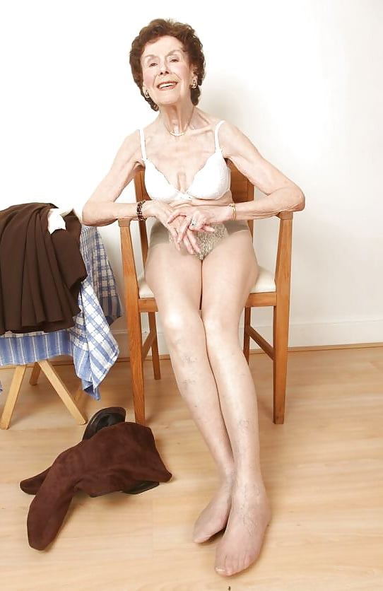 See And Save As Babs Sexy English Granny Porn Pict - 4Crotcom-4772
