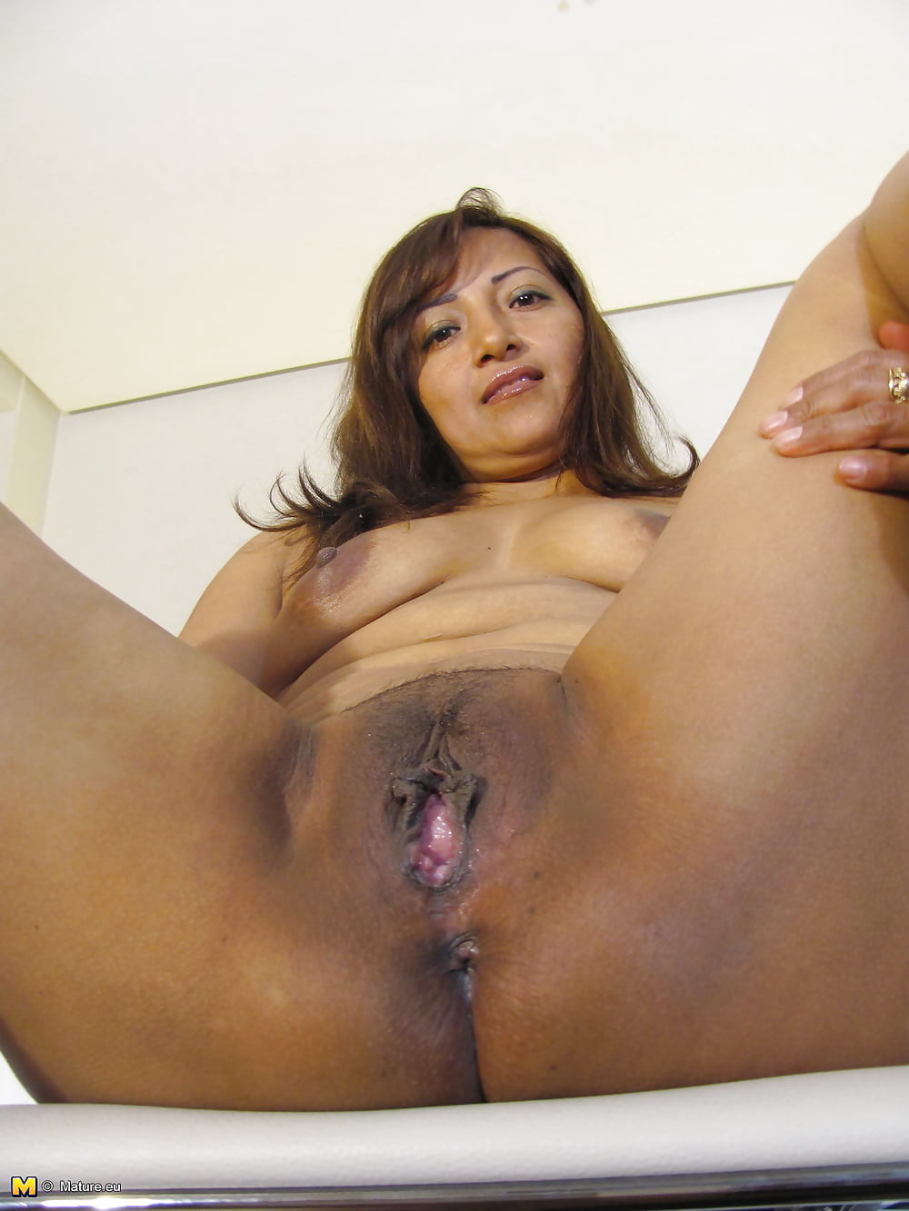 wanking-thin-mexican-pussy