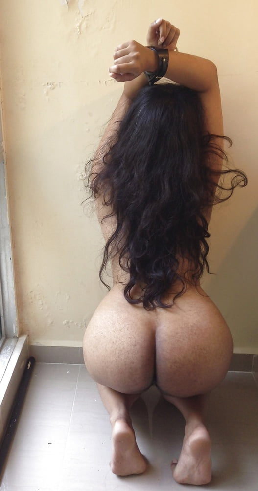 Arab big booty chick