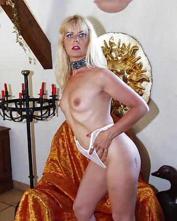 Coco la Perra French Sexy Pics of Blonde - 15 - Coco la Perra