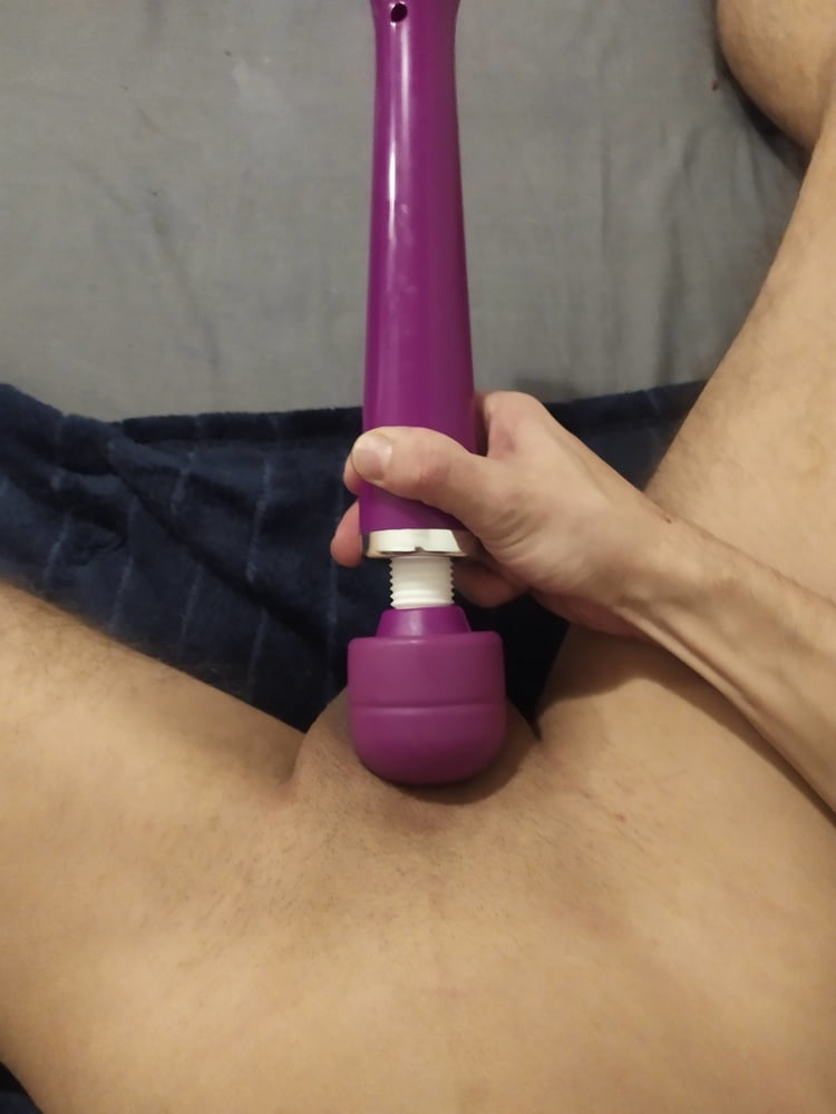 Vibrated pussy with balls - 17 Pics