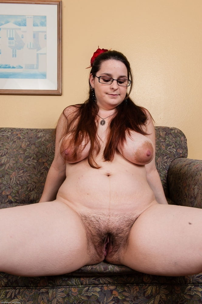 Plump hairy pussy