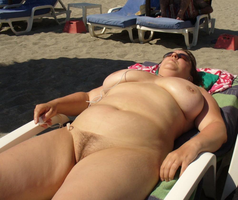 Free xxx fat girls beach 11