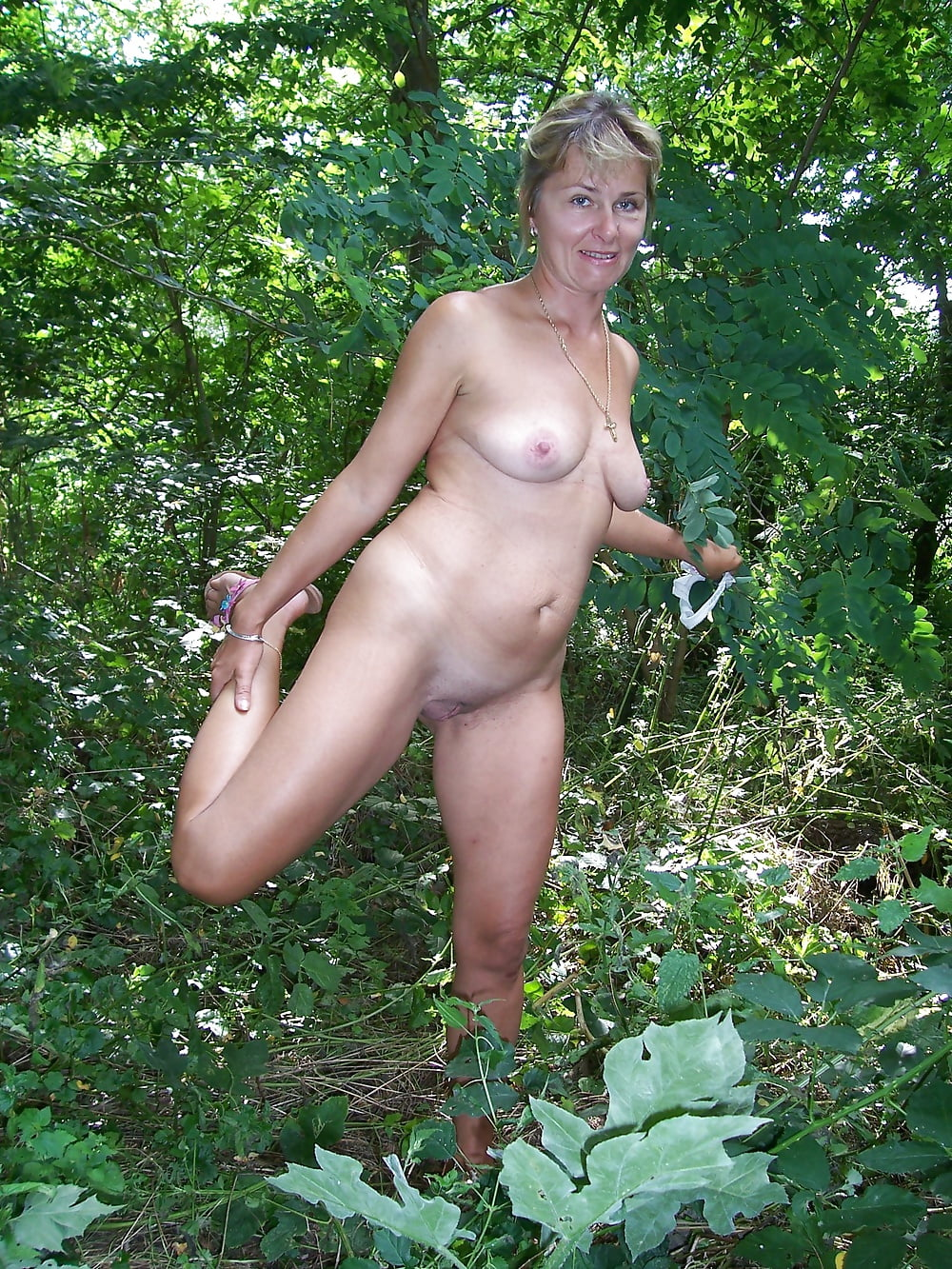 Wife naked forest — 3