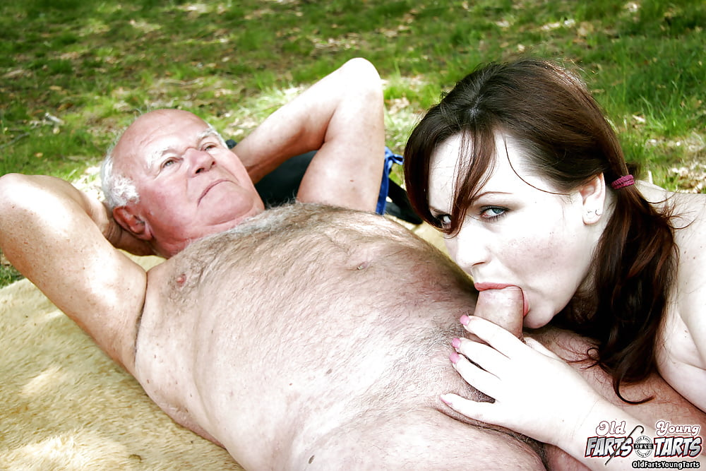 Old man with nude chicks, free amateur gang bang videos