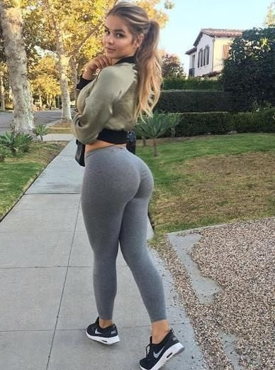 Tight Butts - 24 Pics