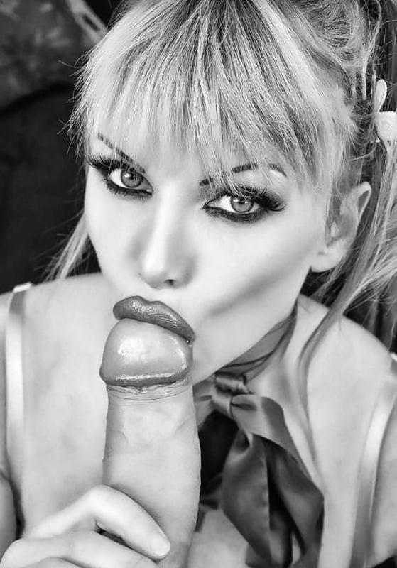 накрашенными губами сосет член порно материал разбили