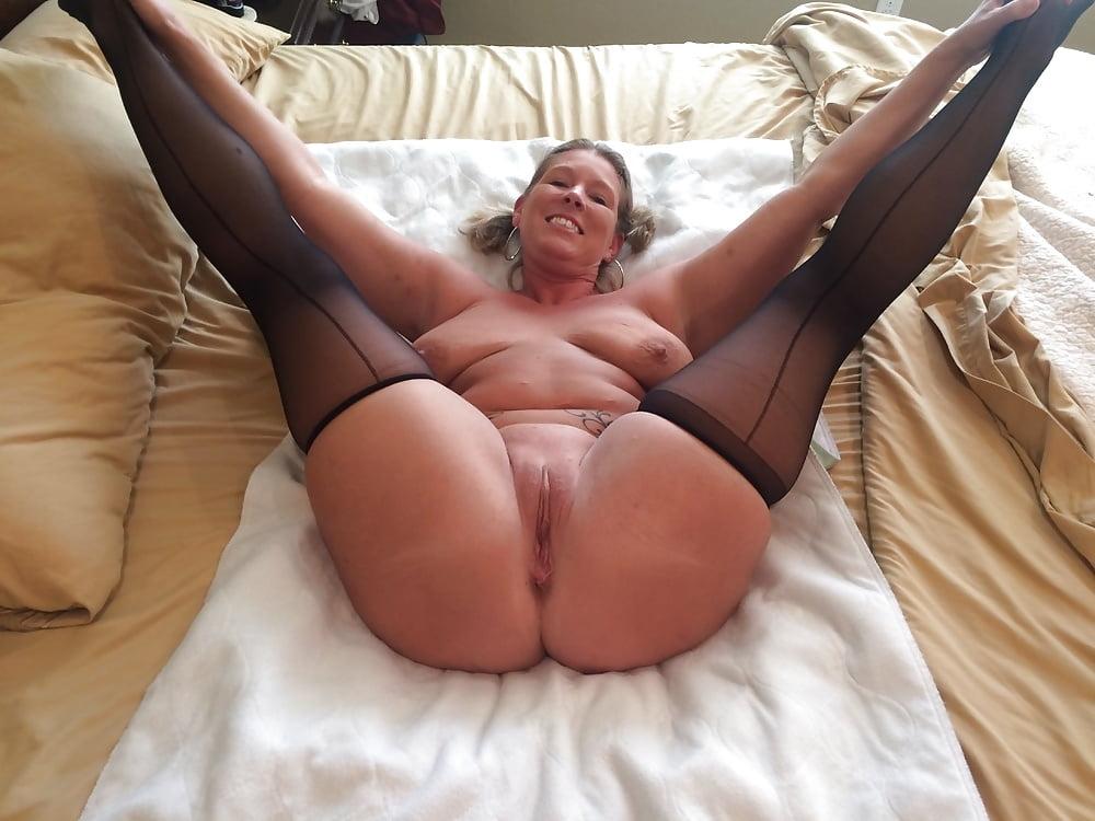 Big Ass Cougar Milfs
