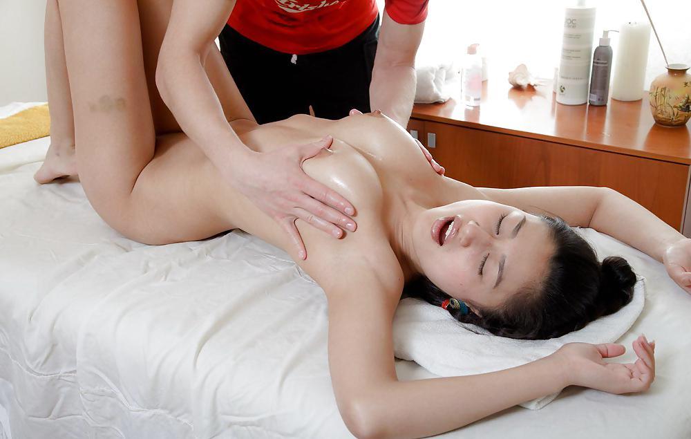 Sexy massage asian 7