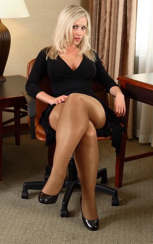 Girls with big butts twerking-7214