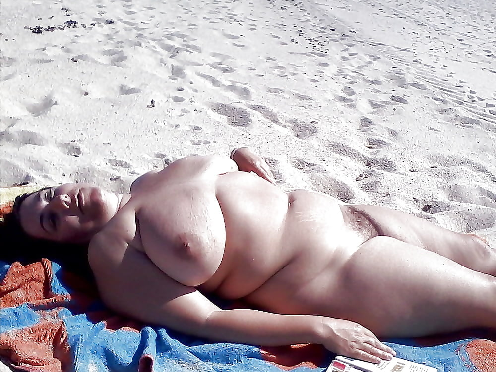 fat-tits-at-the-beach-hot-naked-sexy-boys