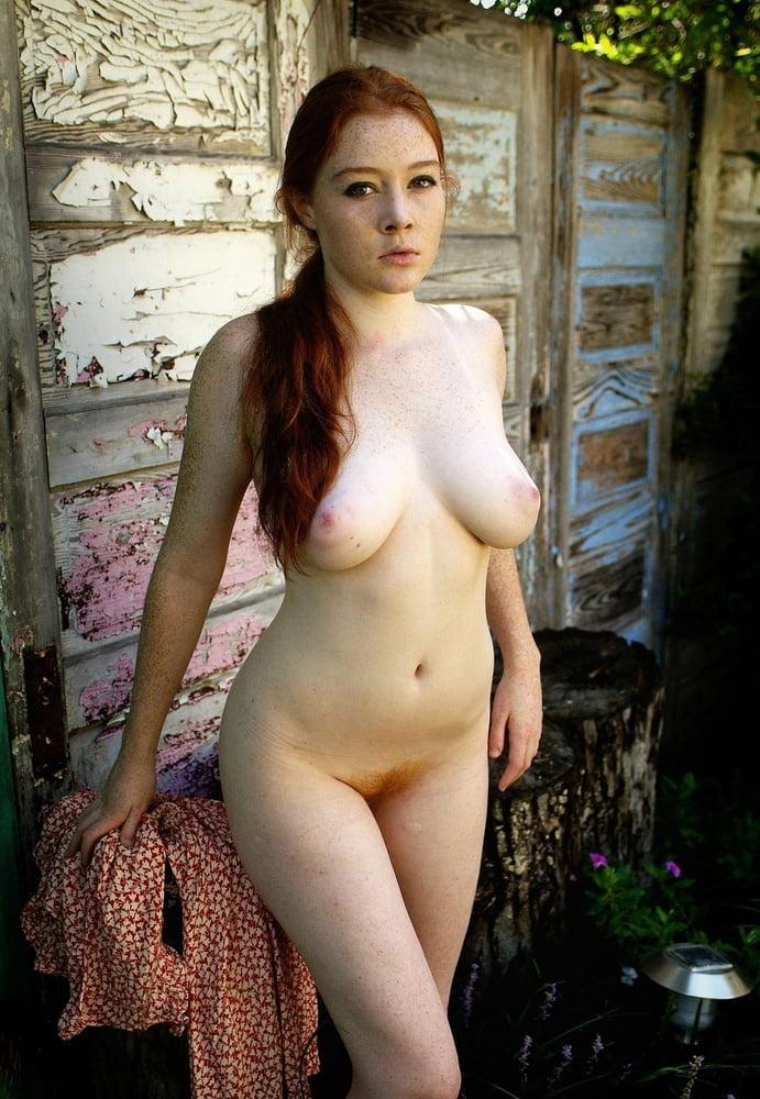 Amateur Perfect Redhead Dominique 1
