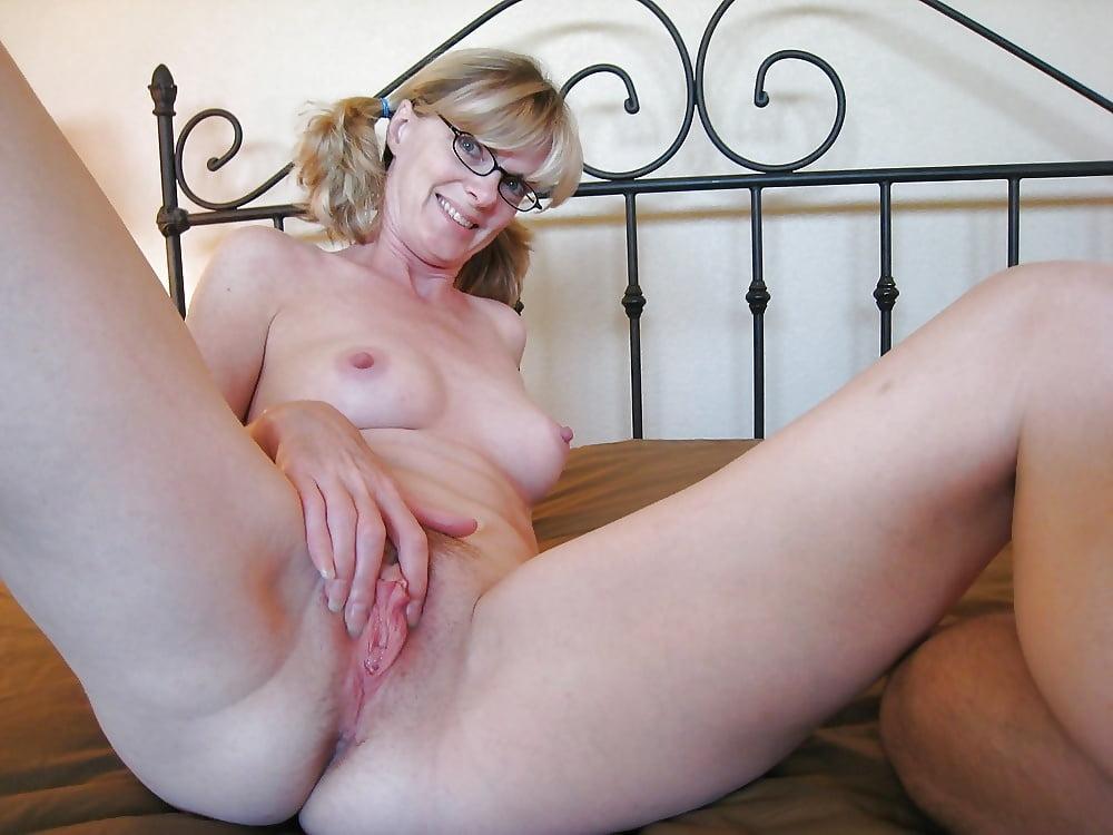 Glasses woman pussy, kat dennings porn sex