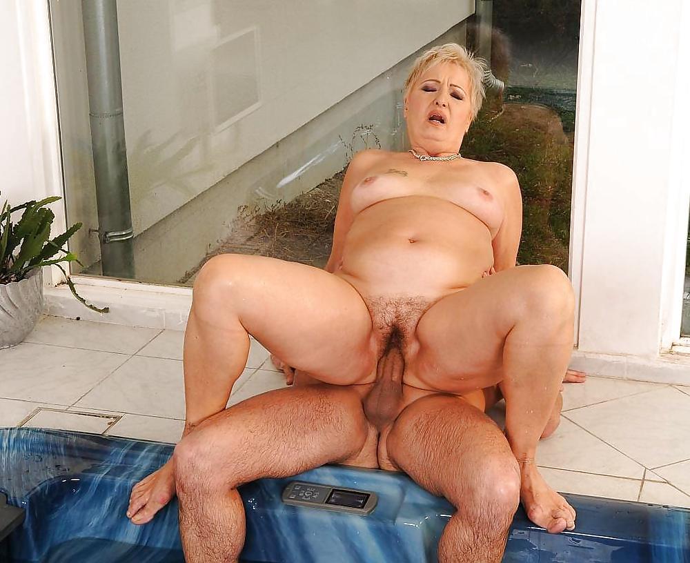 Nude mature women thumbnails